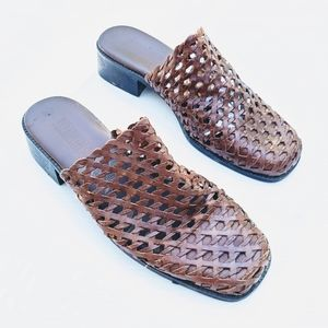 VINTAGE woven brown leather mules slide sandals